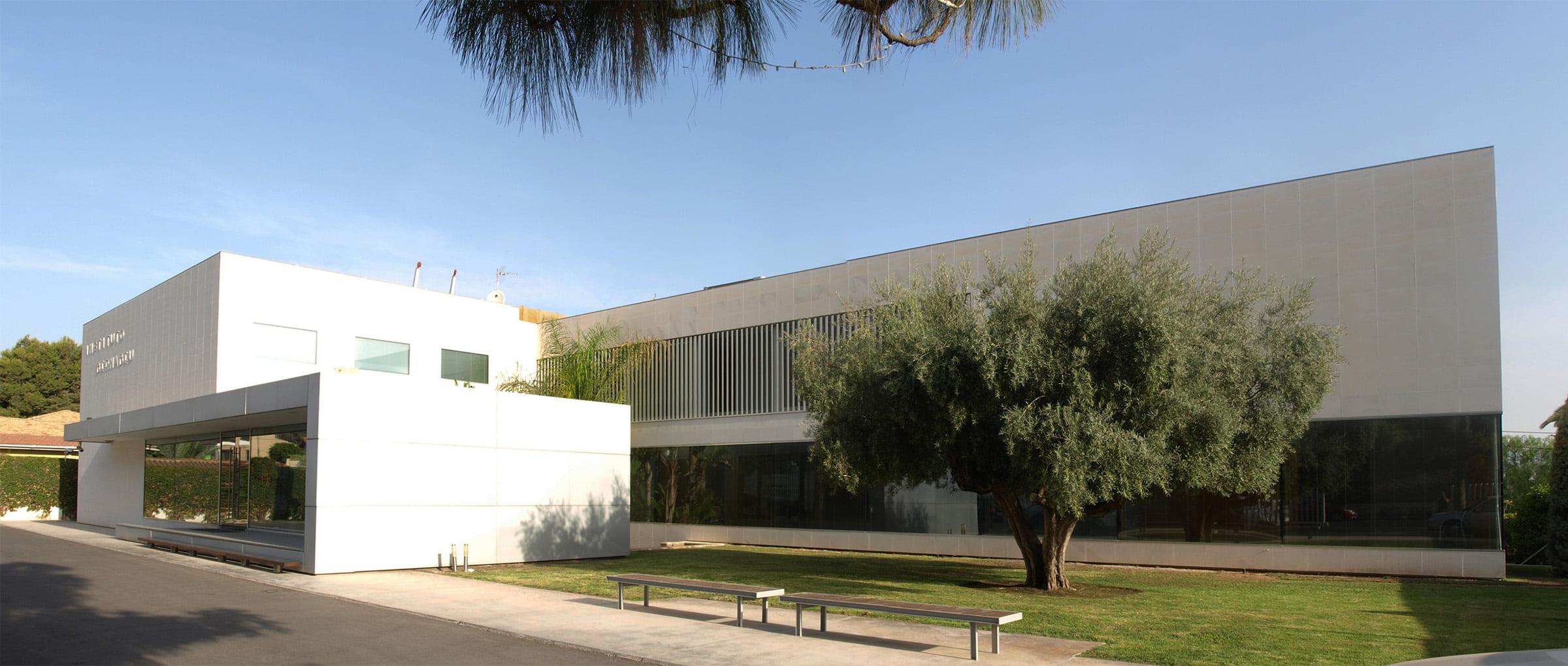 Instituto-Bernabeu-building